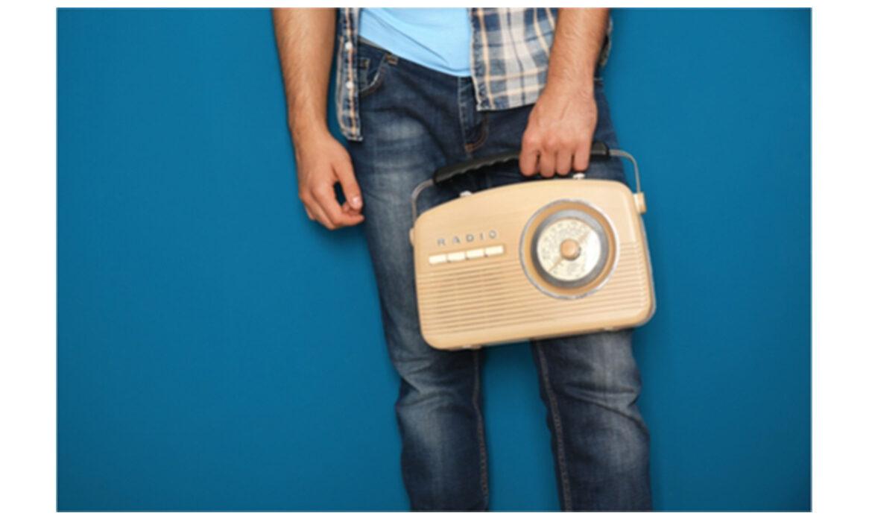 manholdingradio